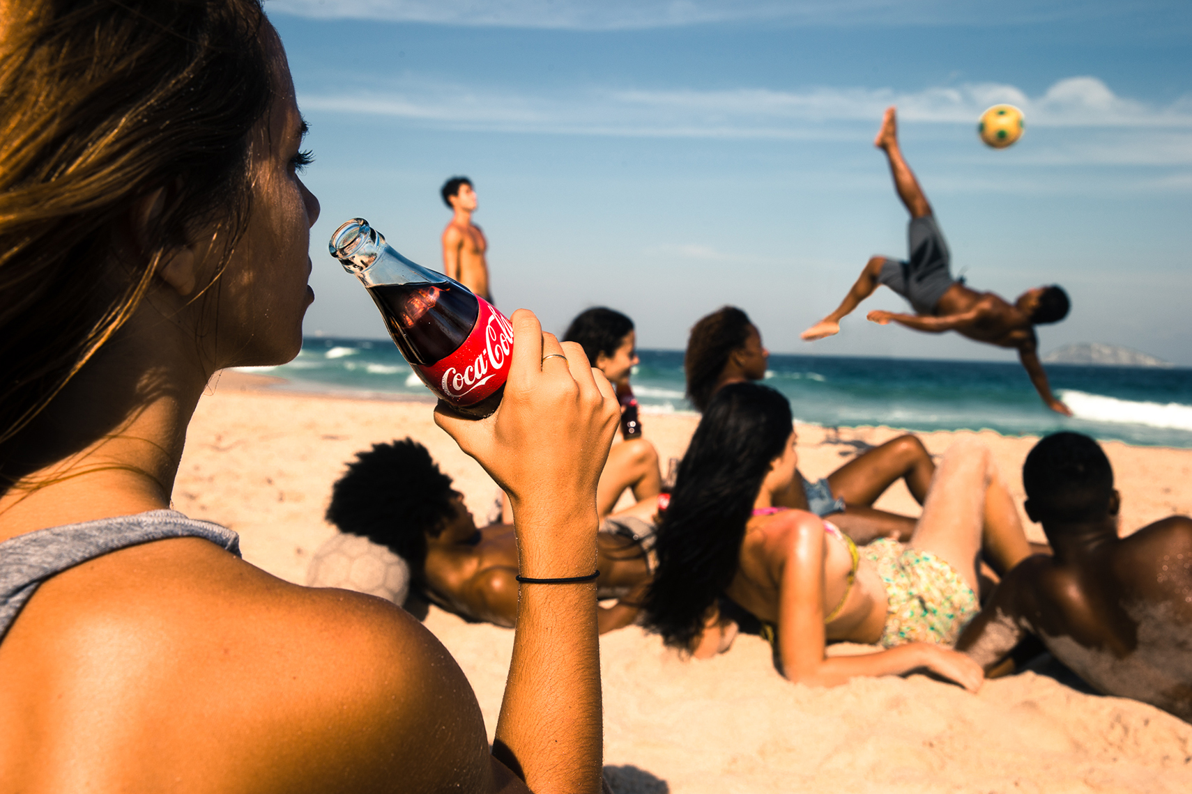Reinsdorf-Advertising-Coke-Lifestyle-Brazil-World-Cup-Action-008